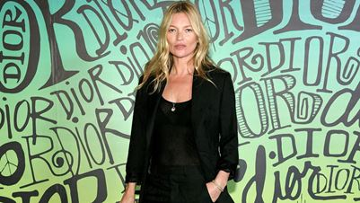 #Badhairdontcare: Η daily routine που ακολουθεί η Kate Moss στα μαλλιά της