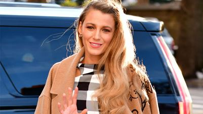 Floral mani: To nail art της Blake Lively που έχουν αγαπήσει οι celebrities